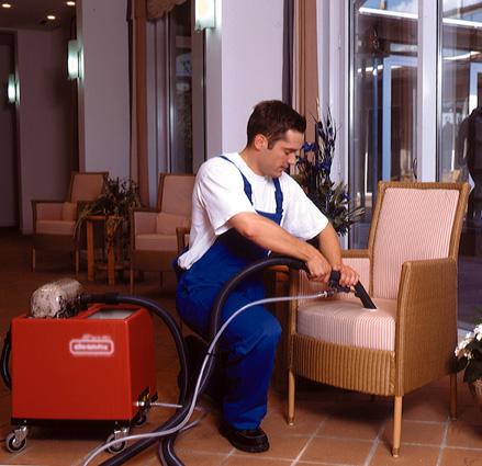 Teppich- und Polstermöbelreinigung
